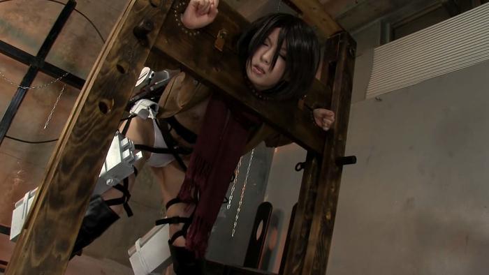 ※アナルセックス調教!!進撃の巨人のミカサアッカーマンコスプレ姿で二穴同時セックスのエロ画像wwwwwwwwww 11 175