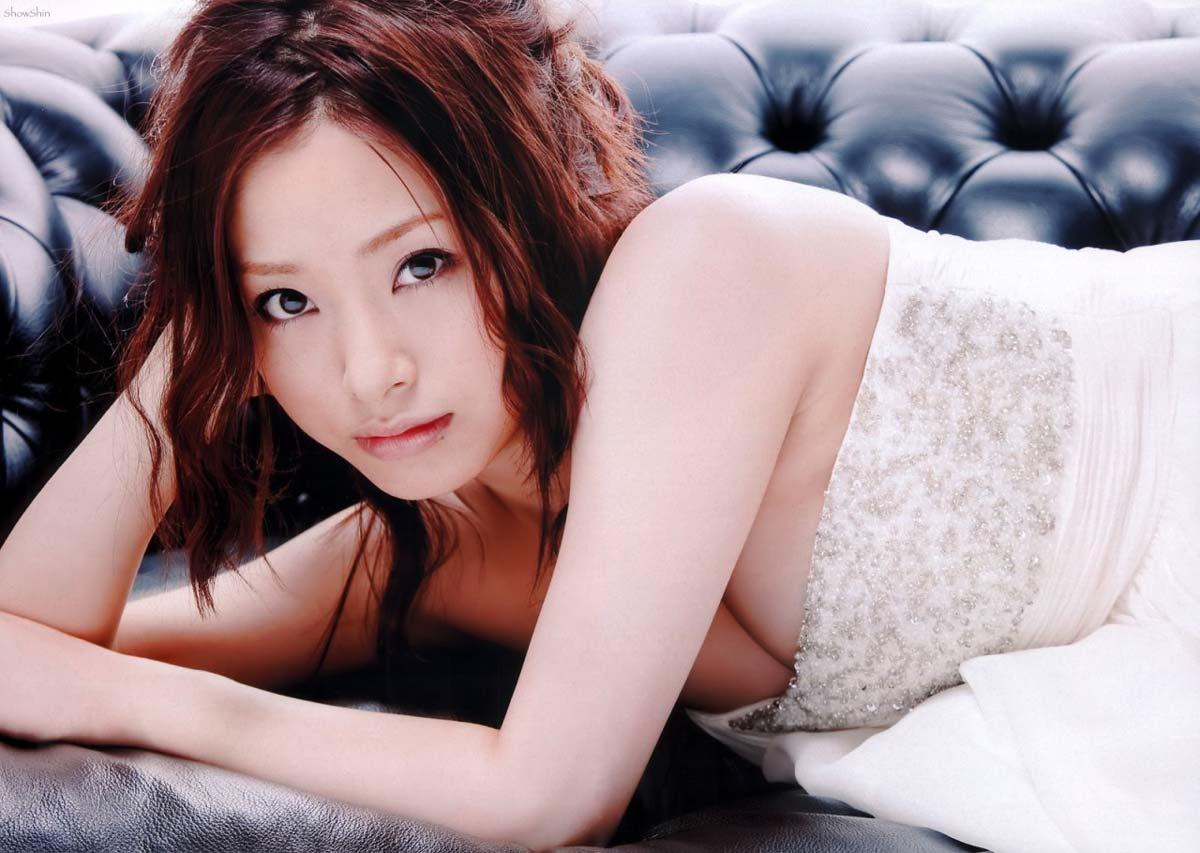 ※人妻になってもなかわいい上戸彩のデカパイエロ画像!!!!!!!!! 11 178