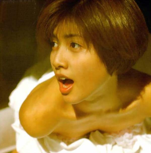 ーーー※内田有紀胸元がやば杉wオッパイ見えそうな芸能人エロ画像!!!! 11 368
