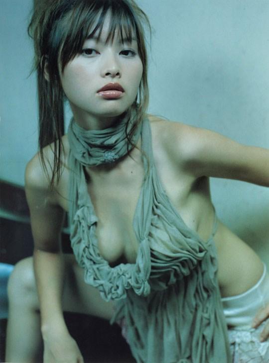 ★---❖吉野紗香の超色っぽいセミヌード画像見つけたから見てくれwwwwwwwwww 13 320