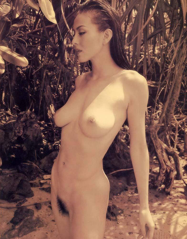 お宝画像発見!!杉本彩の若い時のマン毛と乳首丸出し画像wwwwwwwwww 16 258