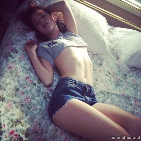 注目※世界のかわいい10代美少女が全裸ヌードになっちゃう画像はっといたぞwwwwww 18 225