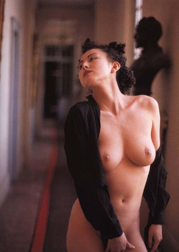 お宝画像発見!!杉本彩の若い時のマン毛と乳首丸出し画像wwwwwwwwww 18 232