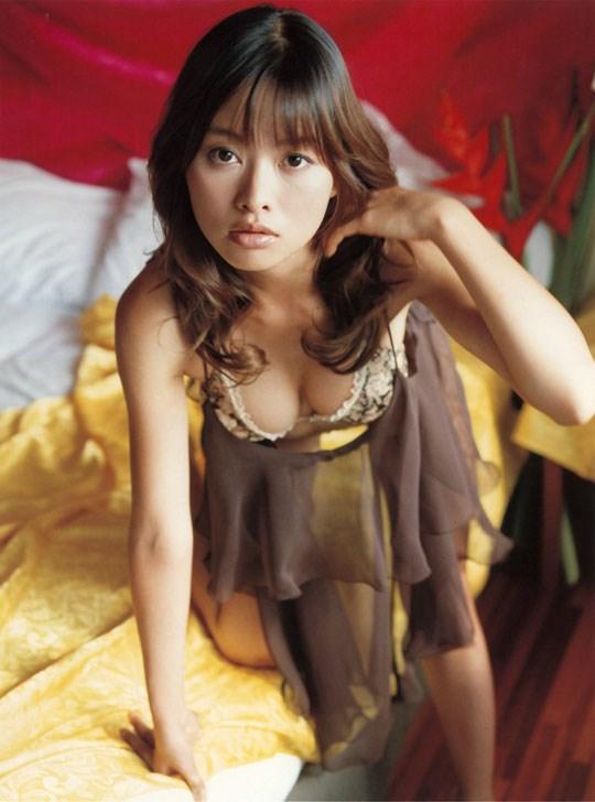 ★---❖吉野紗香の超色っぽいセミヌード画像見つけたから見てくれwwwwwwwwww 18 246