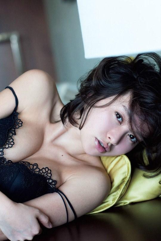(゚∀゚)キタコレ!!乳首立ってるやん!!吉野紗の過激すぎる週プレ掲載セミヌード!!! 18 266