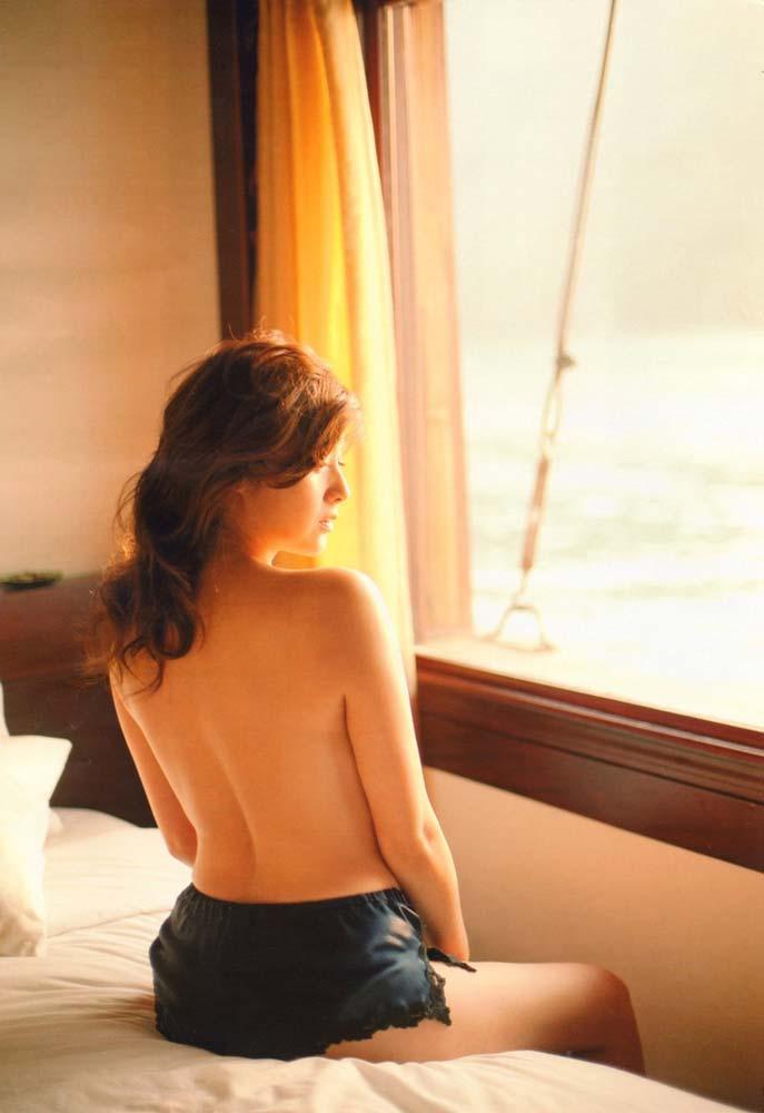 (゚∀゚)キタコレ!!バツイチ人妻の芸能人藤原紀香のエロすぎる全裸ヌードがおがめるぞwwwwwwwwwwwwww 19 197