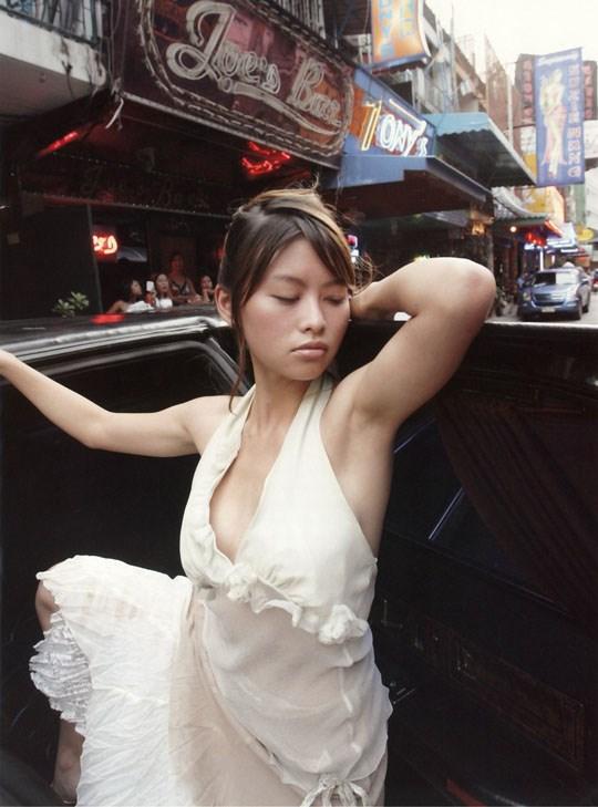 ★---❖吉野紗香の超色っぽいセミヌード画像見つけたから見てくれwwwwwwwwww 19 221