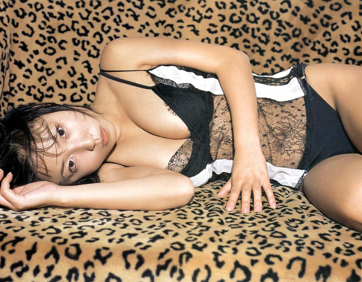 貴重ーーー※MEGUMIが水着から乳首ポロリしちゃう超超超貴重なエロ画像wwwwwwwwwww 19 259