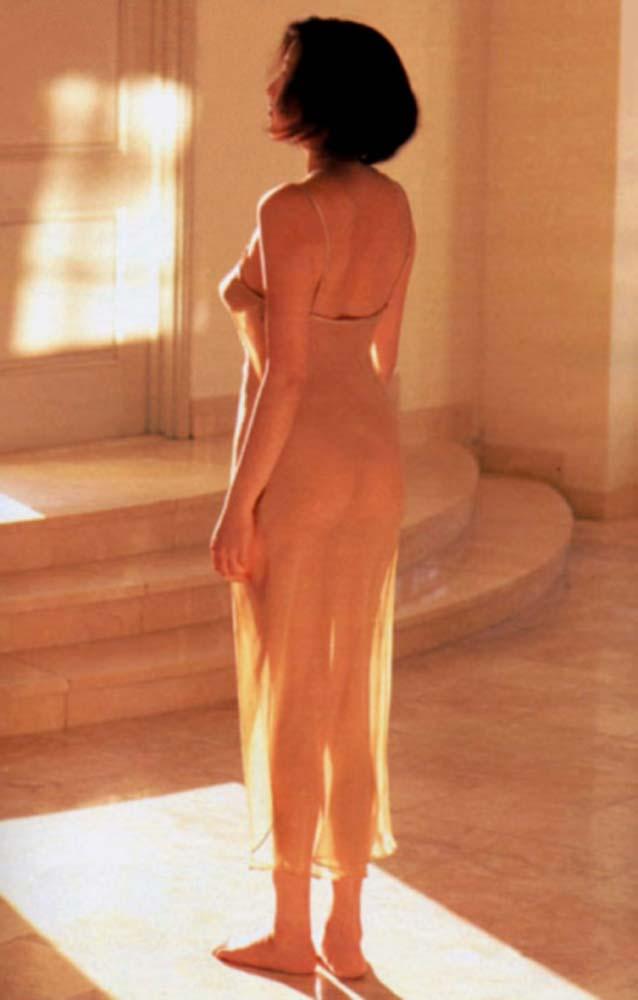 (゚∀゚)キタコレ!!バツイチ人妻の芸能人藤原紀香のエロすぎる全裸ヌードがおがめるぞwwwwwwwwwwwwww 2 361