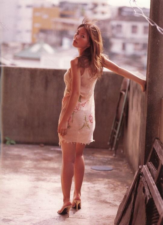 ★---❖吉野紗香の超色っぽいセミヌード画像見つけたから見てくれwwwwwwwwww 2 397