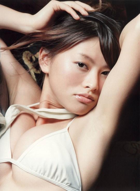 ★---❖吉野紗香の超色っぽいセミヌード画像見つけたから見てくれwwwwwwwwww 25 101