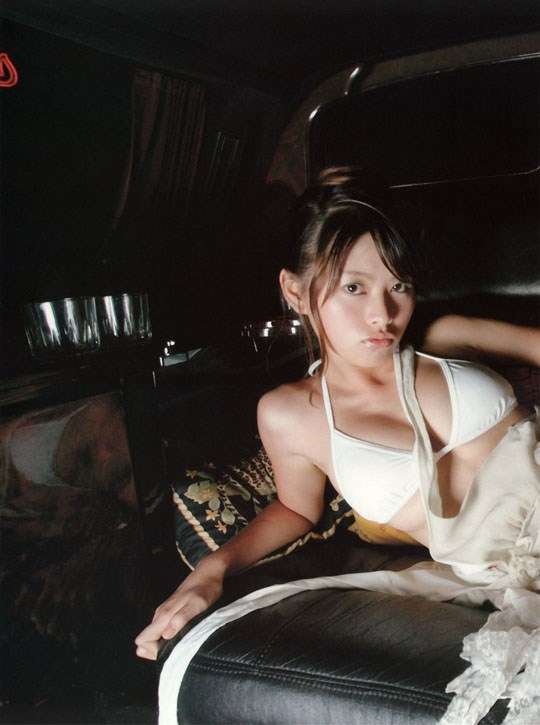 ★---❖吉野紗香の超色っぽいセミヌード画像見つけたから見てくれwwwwwwwwww 26 93