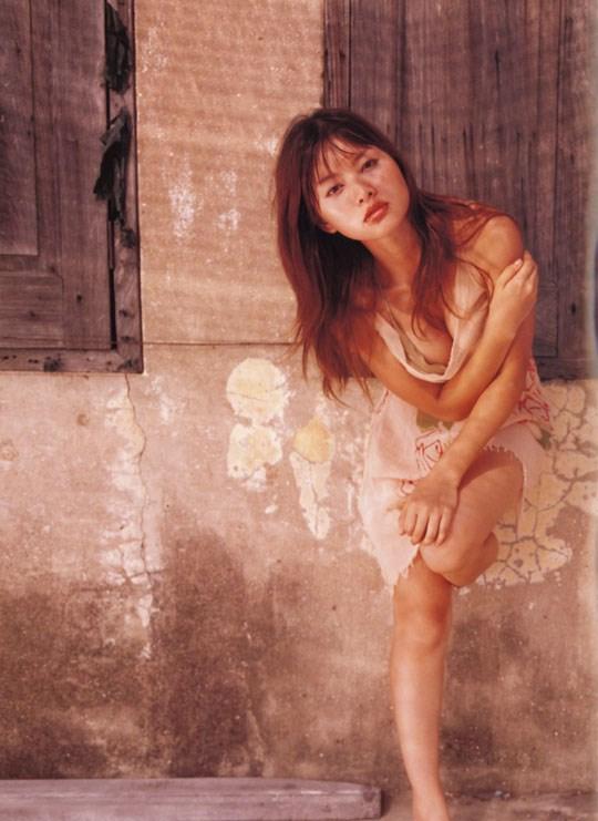 ★---❖吉野紗香の超色っぽいセミヌード画像見つけたから見てくれwwwwwwwwww 3 395