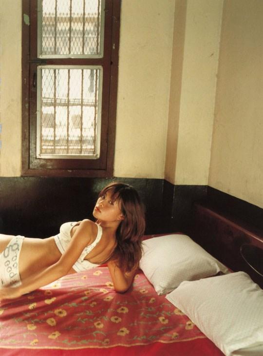 ★---❖吉野紗香の超色っぽいセミヌード画像見つけたから見てくれwwwwwwwwww 31 52