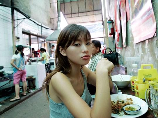 ★---❖吉野紗香の超色っぽいセミヌード画像見つけたから見てくれwwwwwwwwww 38 34