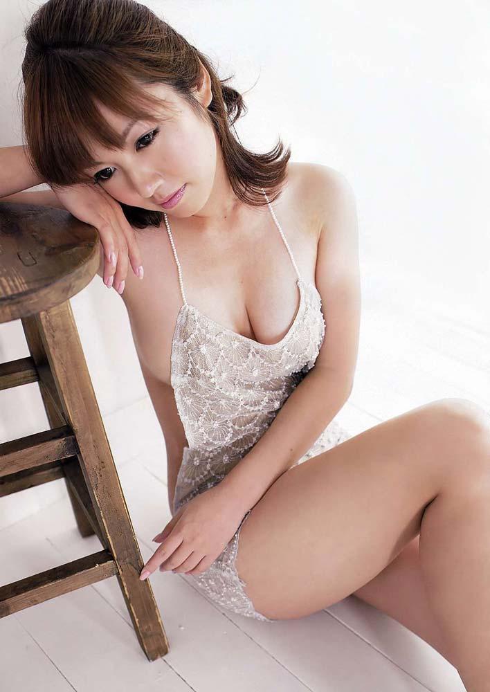 有名芸能人エロ画像ww磯山さやかのでかすぎるオマンコ見せちゃうぞ!!!!!!! 4 217