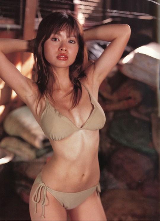 ★---❖吉野紗香の超色っぽいセミヌード画像見つけたから見てくれwwwwwwwwww 4 391