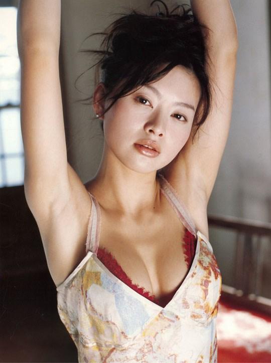 ★---❖吉野紗香の超色っぽいセミヌード画像見つけたから見てくれwwwwwwwwww 40 32