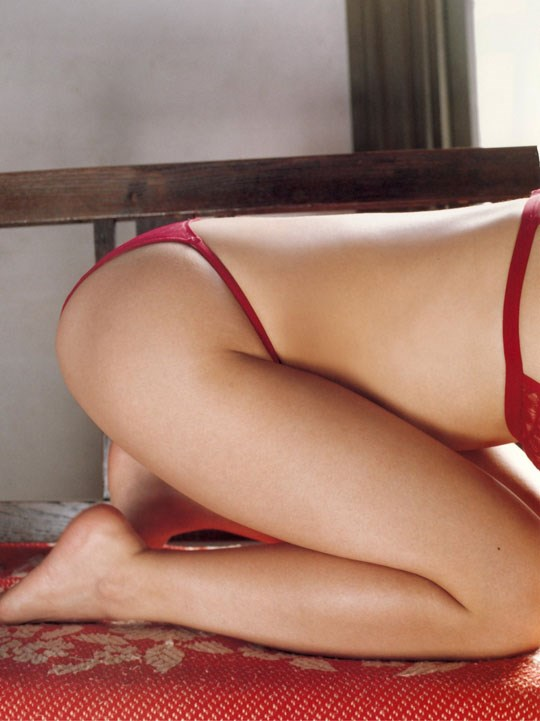 ★---❖吉野紗香の超色っぽいセミヌード画像見つけたから見てくれwwwwwwwwww 42 26