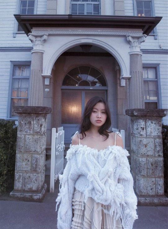 ★---❖吉野紗香の超色っぽいセミヌード画像見つけたから見てくれwwwwwwwwww 46 23