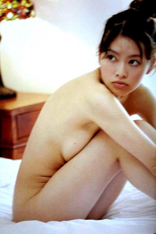 (゚∀゚)キタコレ!!乳首立ってるやん!!吉野紗の過激すぎる週プレ掲載セミヌード!!! 5 421