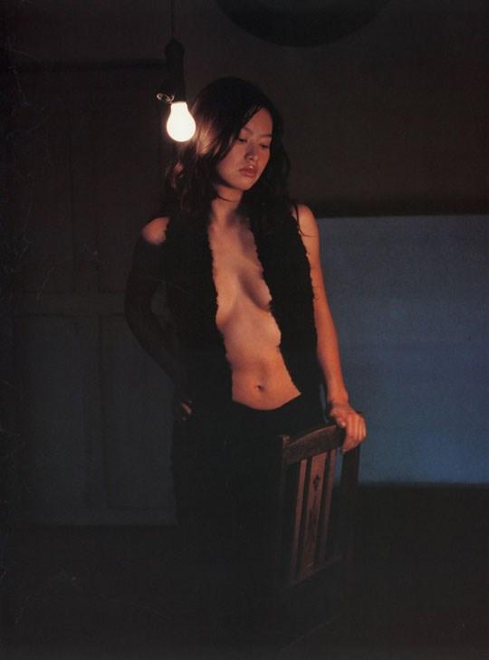 ★---❖吉野紗香の超色っぽいセミヌード画像見つけたから見てくれwwwwwwwwww 54 13