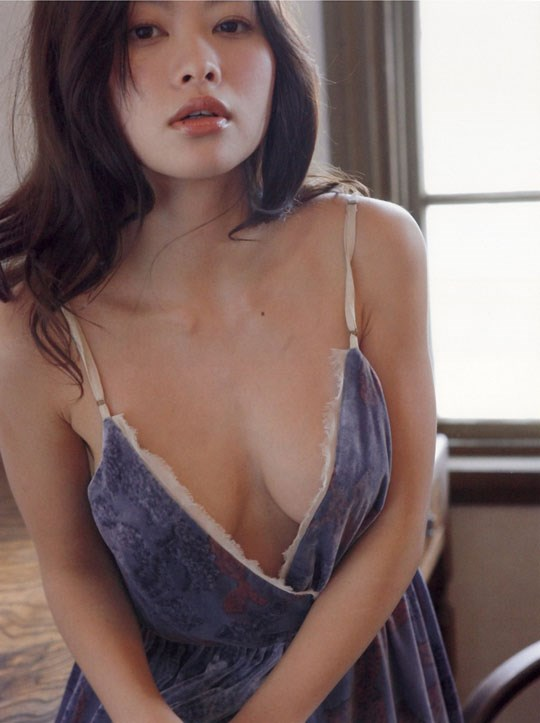 ★---❖吉野紗香の超色っぽいセミヌード画像見つけたから見てくれwwwwwwwwww 57 9