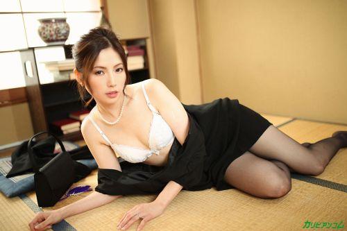 色気ある美熟女が男たちに犯されて感じるエロ画像wwwwwwww 6 169
