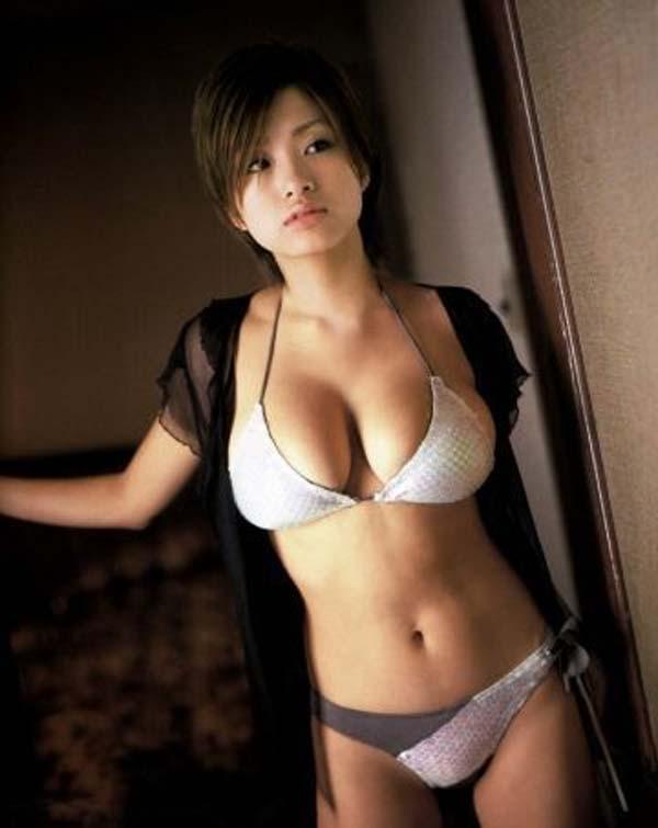 ※人妻になってもなかわいい上戸彩のデカパイエロ画像!!!!!!!!! 6 208