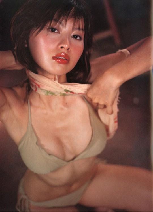 ★---❖吉野紗香の超色っぽいセミヌード画像見つけたから見てくれwwwwwwwwww 6 388
