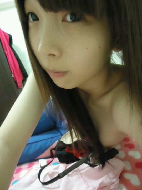 注目※台湾美少女の貴重すぎる自撮り画像はっといたぞwwwwww 8 349