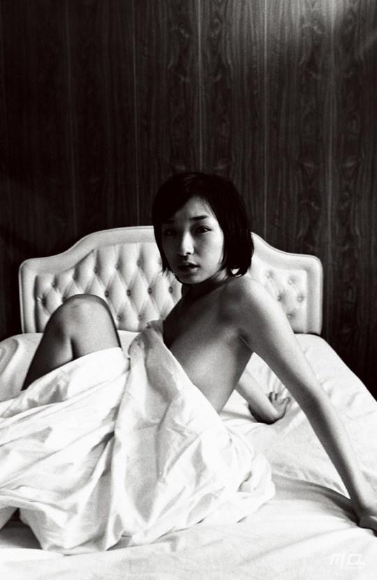 ---❖お騒がせキャラの加護亜依ちゃんが懐かしの写真集見せちゃうぞ!!!!!! 86 5