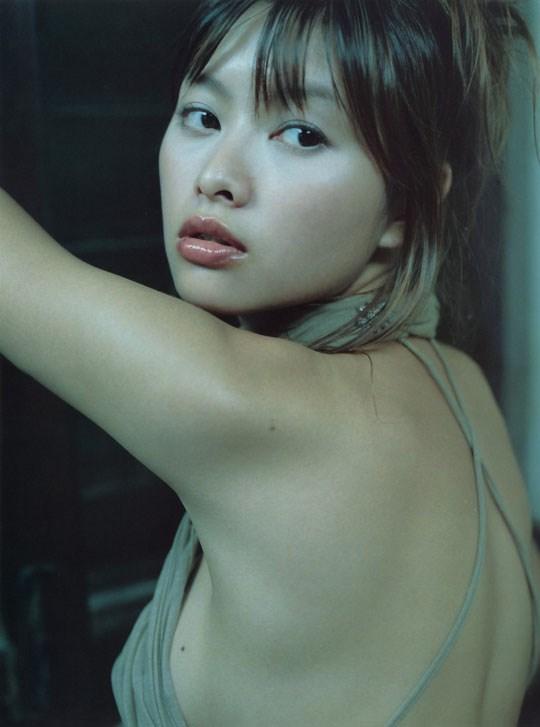 ★---❖吉野紗香の超色っぽいセミヌード画像見つけたから見てくれwwwwwwwwww 9 365