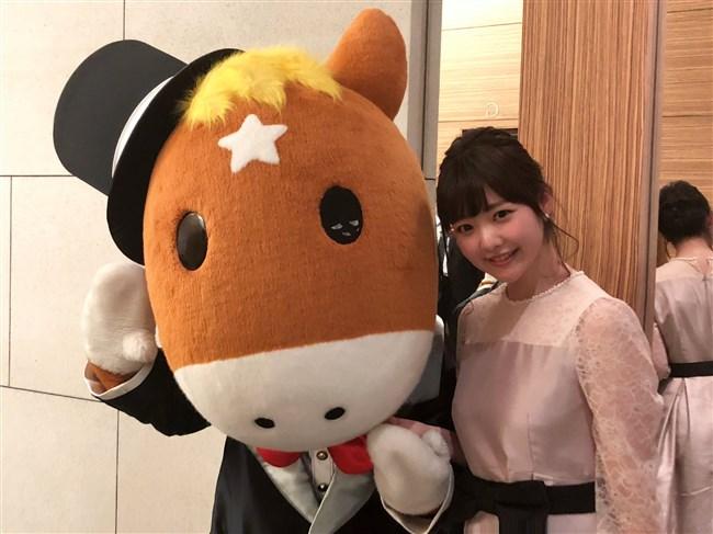 真野淑實~NHK競馬中継リポーターのオッパイが気になってしょうがいないwwwwwwww 11 485