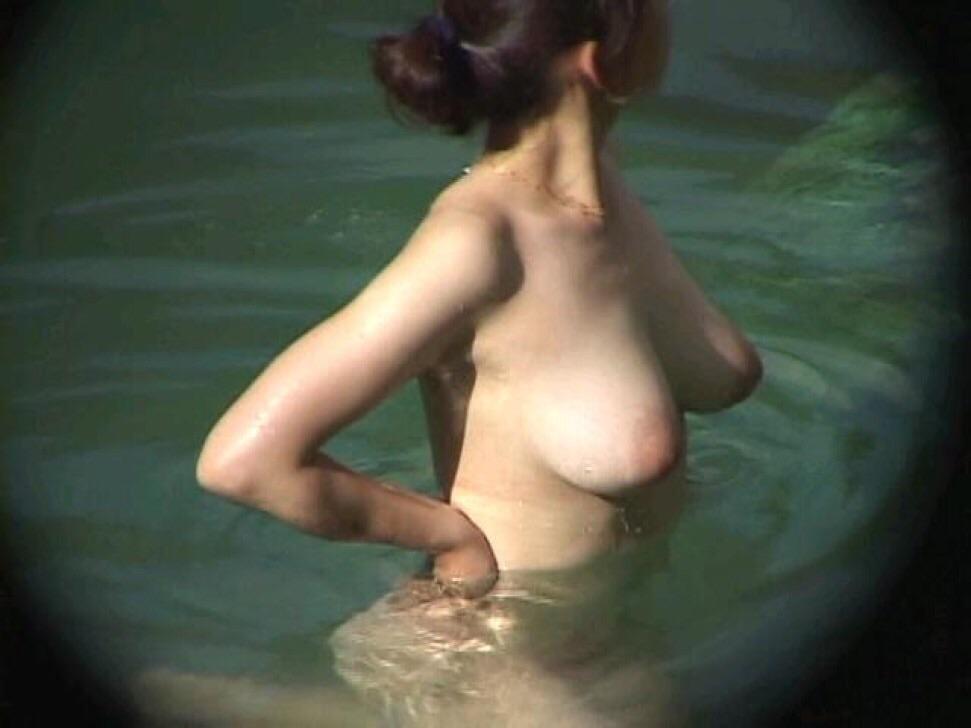 ---❖盗撮物!!!!カワイ子ちゃんが温泉でまさか写真撮られてるとはwwwwwwwww 2 667