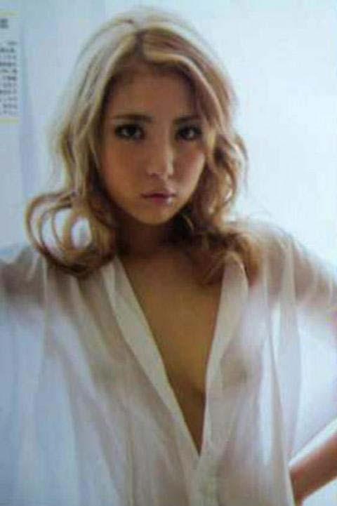 ーーー※石川恋の超お宝画像発見!!乳首が見てますけどwこれ大丈夫か??????? 26 22