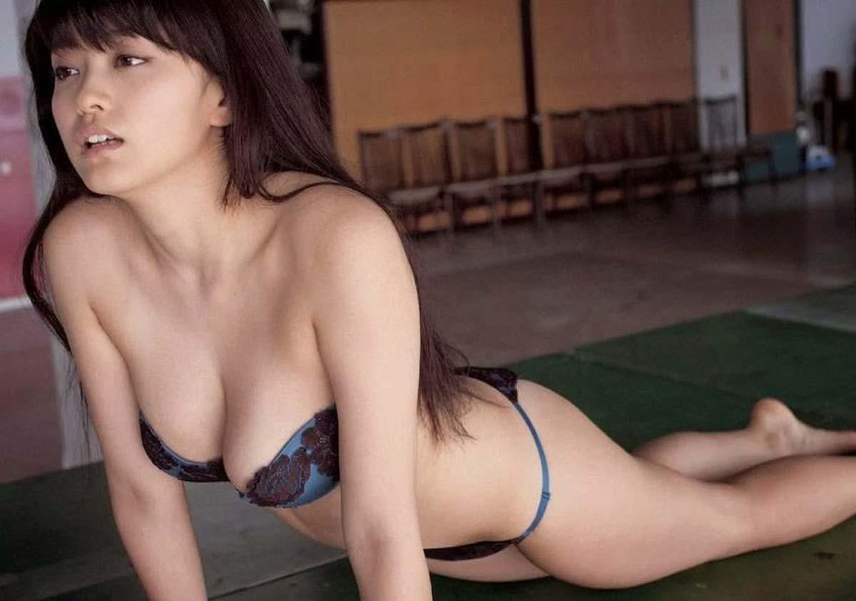 ※芸能人エロ画像!!!!山地まりのでかすぎるオッパイがマジでエロしこ!!!! 29