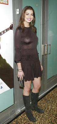 お宝画像発見!!---❖人気女優、アン・ハサウェイの乳首画像はっといたぞwwwwwwwwww 3 531