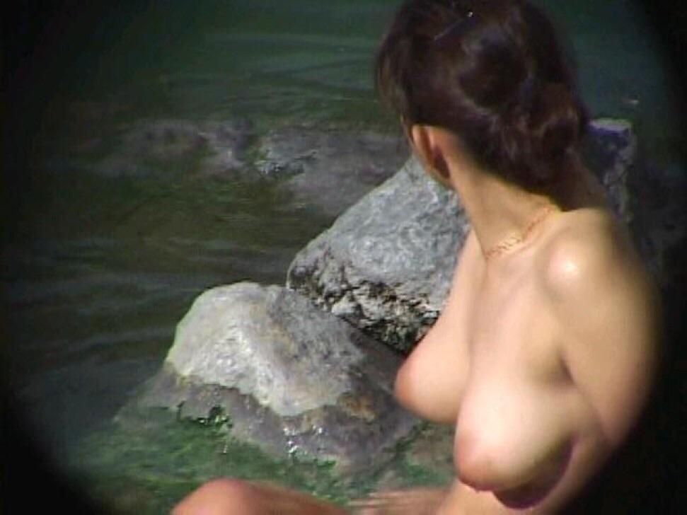 ---❖盗撮物!!!!カワイ子ちゃんが温泉でまさか写真撮られてるとはwwwwwwwww 7 678