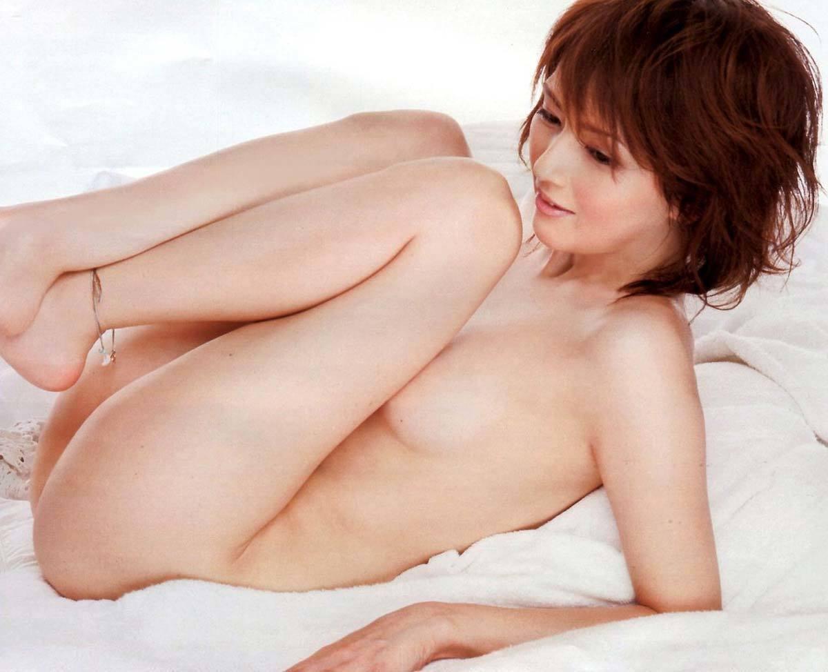 ??遊んでないのか?乳輪ピンクでマジで抜ける吉井怜のヌード画像wwwwwwww 1 38