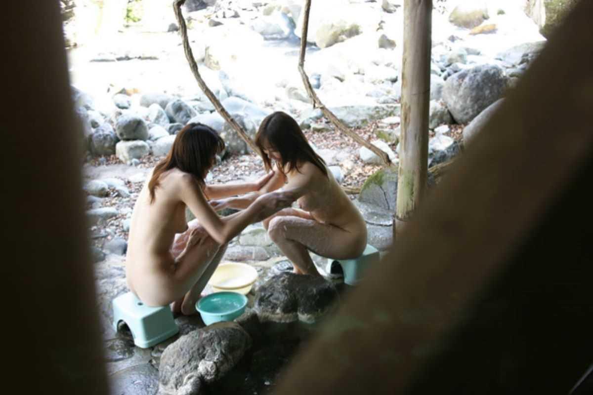 ---❖露天風呂にいた素人娘の盗撮物!削除注意の保存版wwwwwwwwwww 20210918185144