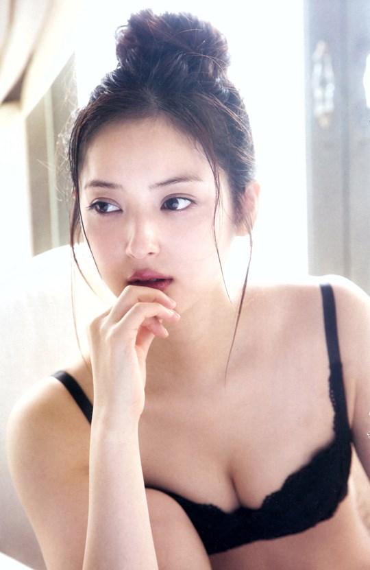 キターーーー★佐々木希の貴重なエロ画像!ポンコツ旦那復活なるのか???????? 202109190906366