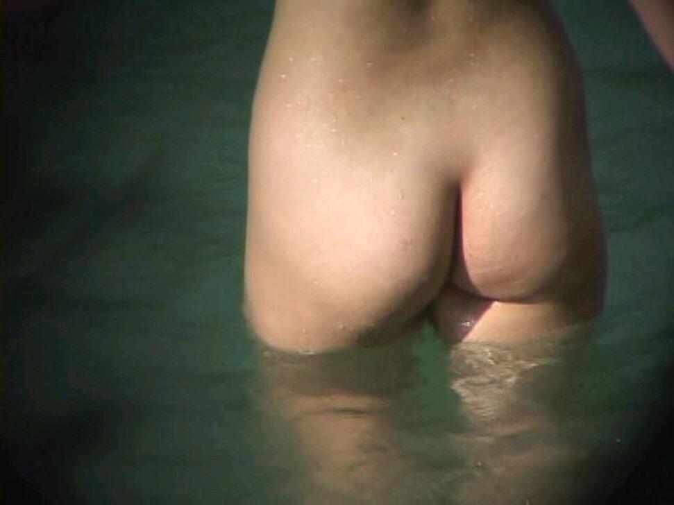 ---❖盗撮物!!!!カワイ子ちゃんが温泉でまさか写真撮られてるとはwwwwwwwww 21 19
