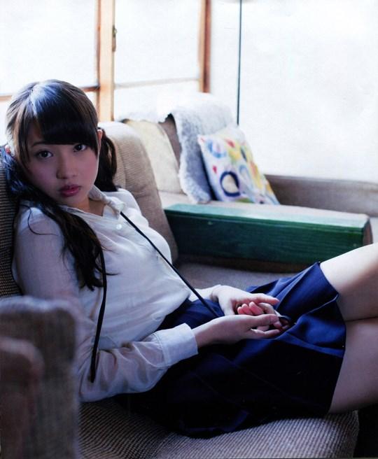元AKB48木﨑ゆりあのお宝画像発見!!童顔美少女なのにエロい体を見せちゃうぞwwwwwwwww 2021100715405971