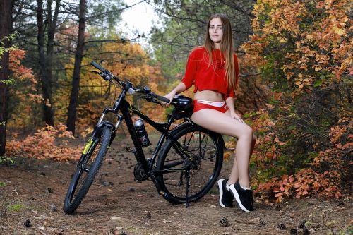 これヤバすぎる!全裸で野外で自転車とか!挿入されてくれwwwwwwwwww 202110081427281