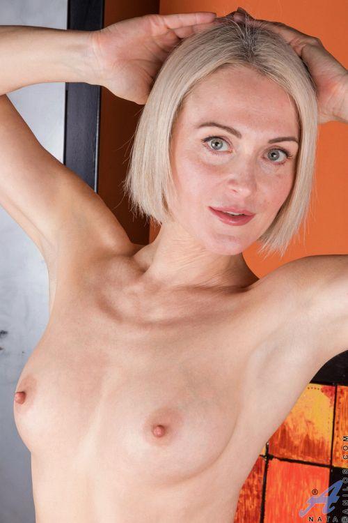 ロシア外人エロ画像---❖人妻美熟女がエロい格好で見せまくりwwwwwwwwwwww 202110081516114